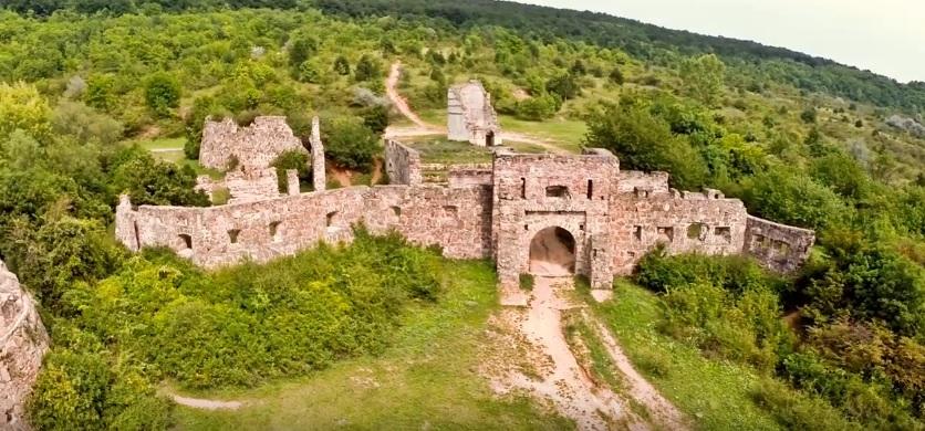 """Október 14. Bakancsos túra a Nagy-Kevélyre és a """"pilisi Egri várhoz"""""""